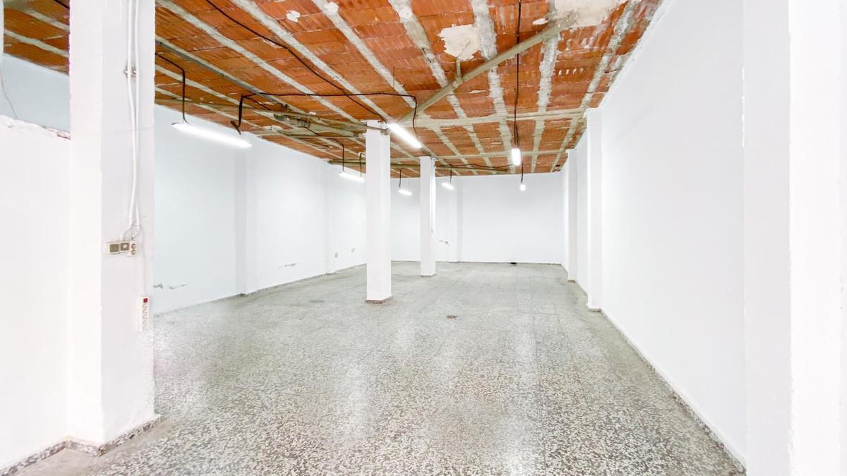 Commercial Premises, Mijas Costa, Costa del Sol. Built 148 m².  Setting : Town, Commercial Area, Clo,Spain