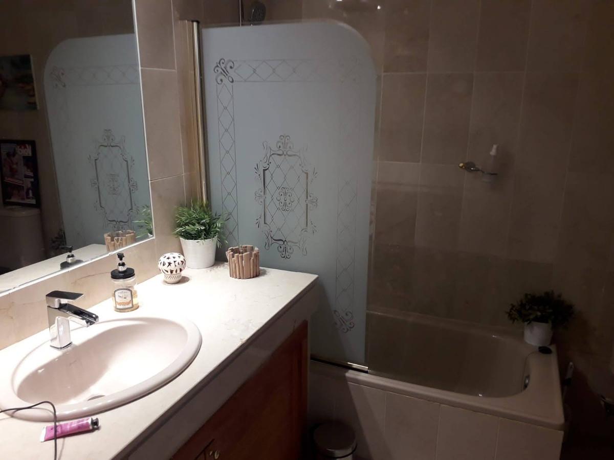 Apartment Middle Floor Estepona Málaga Costa del Sol R3712250 10