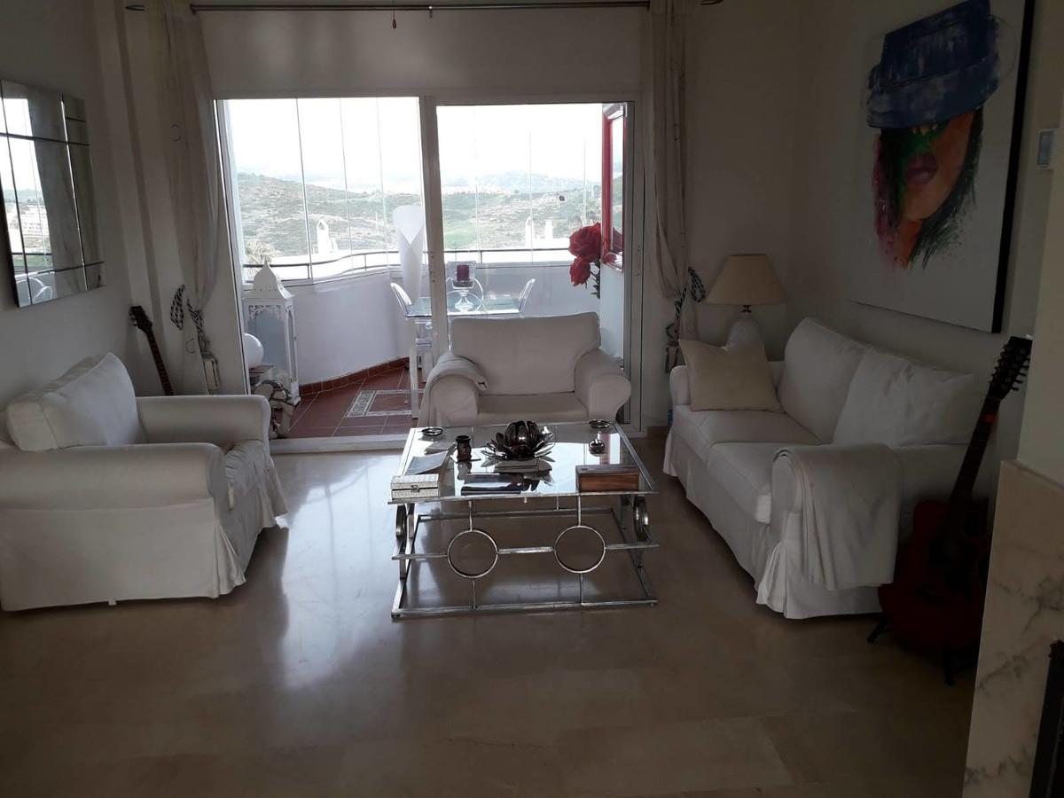 Apartment Middle Floor Estepona Málaga Costa del Sol R3712250 3