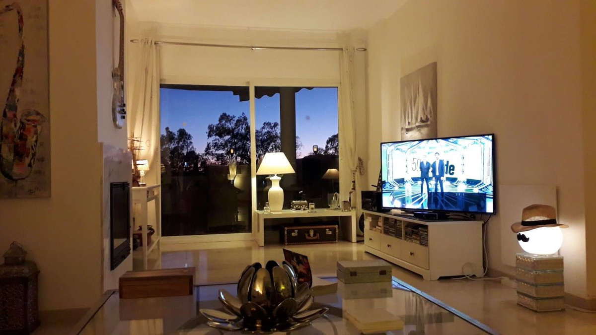 Apartment Middle Floor Estepona Málaga Costa del Sol R3712250 5