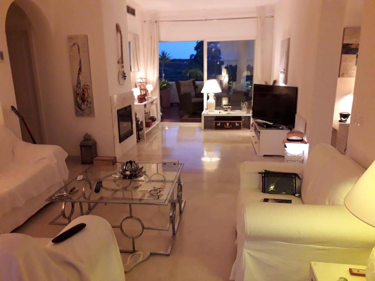 Apartment Middle Floor Estepona Málaga Costa del Sol R3712250 6