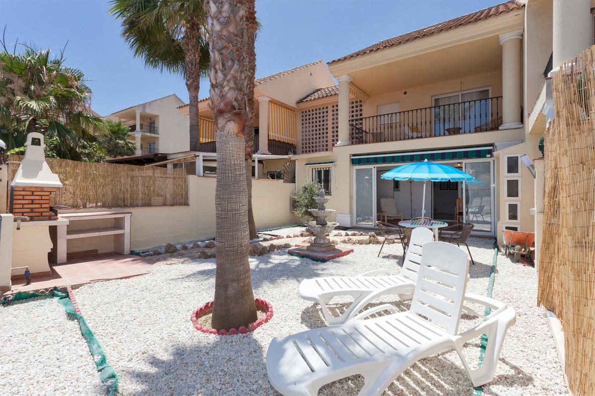 Middle Floor Apartment, Benalmadena Costa, Costa del Sol. 2 Bedrooms, 1 Bathroom, Built 41 m², Terra,Spain