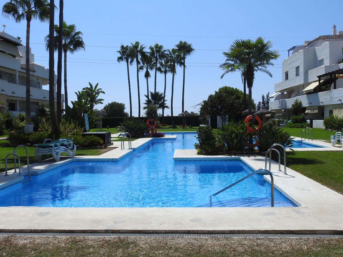 Exclusive corner penthouse- duplex, located in the prestigious area of ??the Golden Mile - Nagueles ,Spain