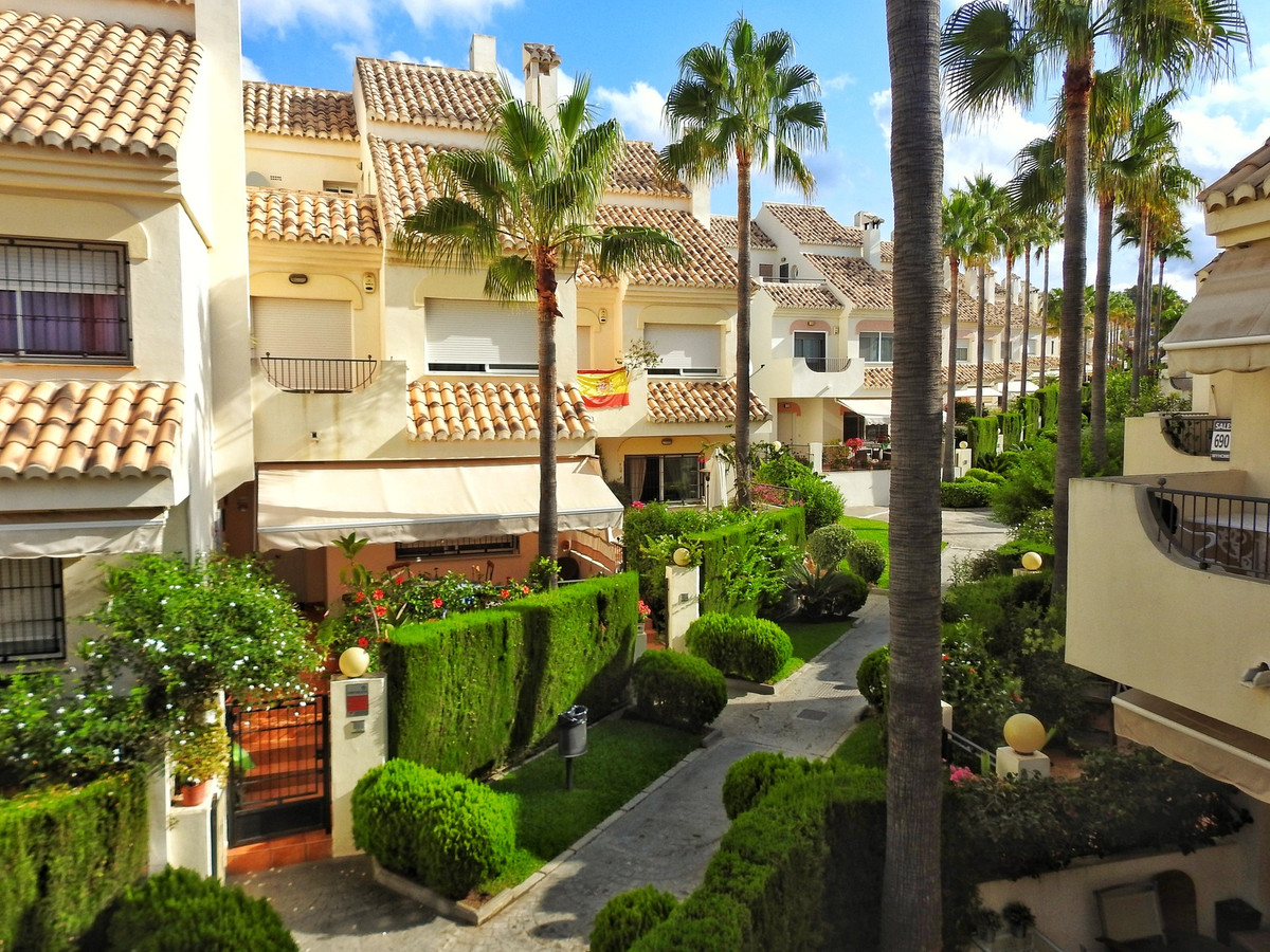 4 Bedroom Terraced Townhouse For Sale Elviria