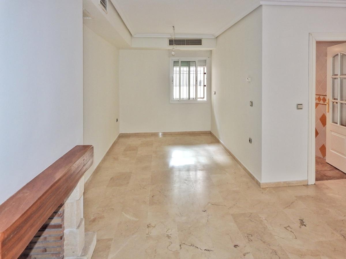 4 Bedroom Semi Detached Townhouse For Sale Elviria