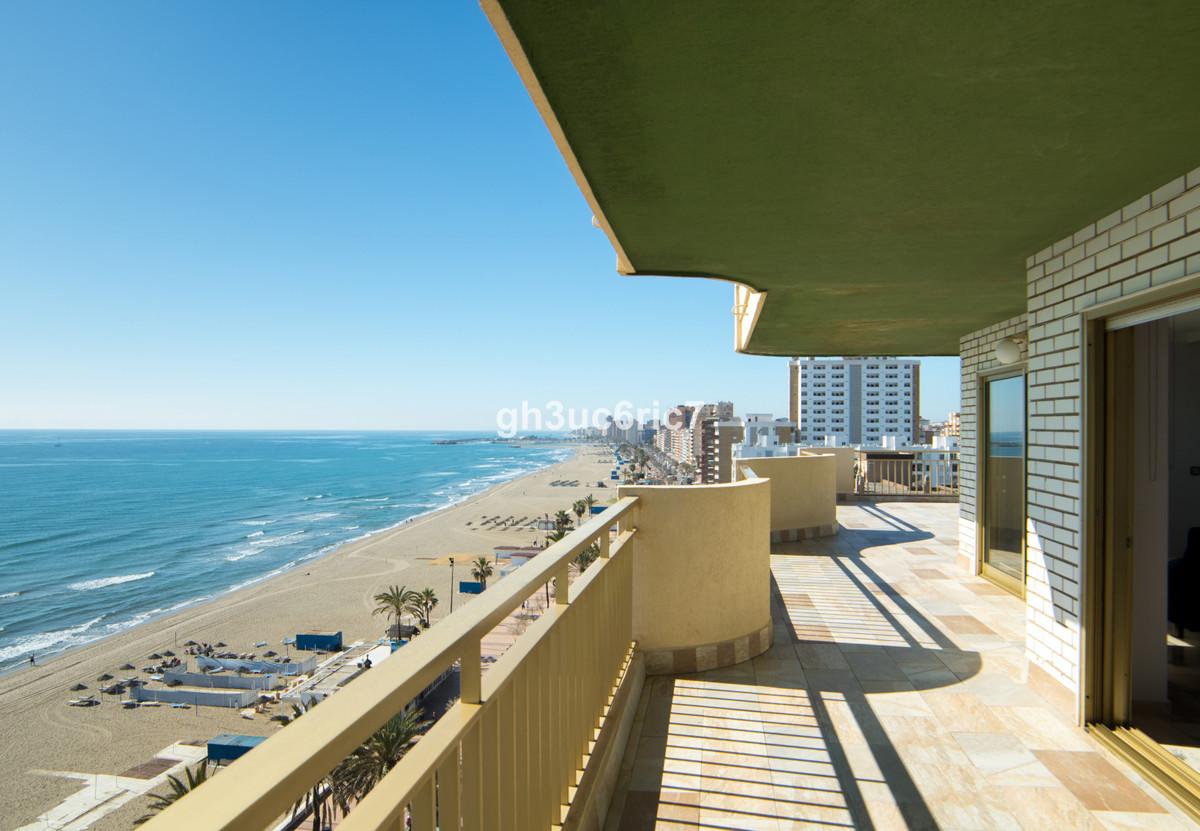 Apartment Middle Floor Fuengirola Málaga Costa del Sol R3569710