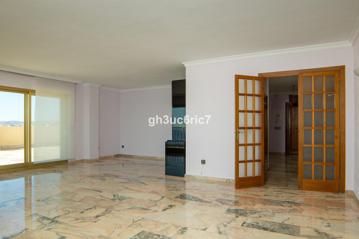 Apartment Middle Floor Fuengirola Málaga Costa del Sol R3569710 7