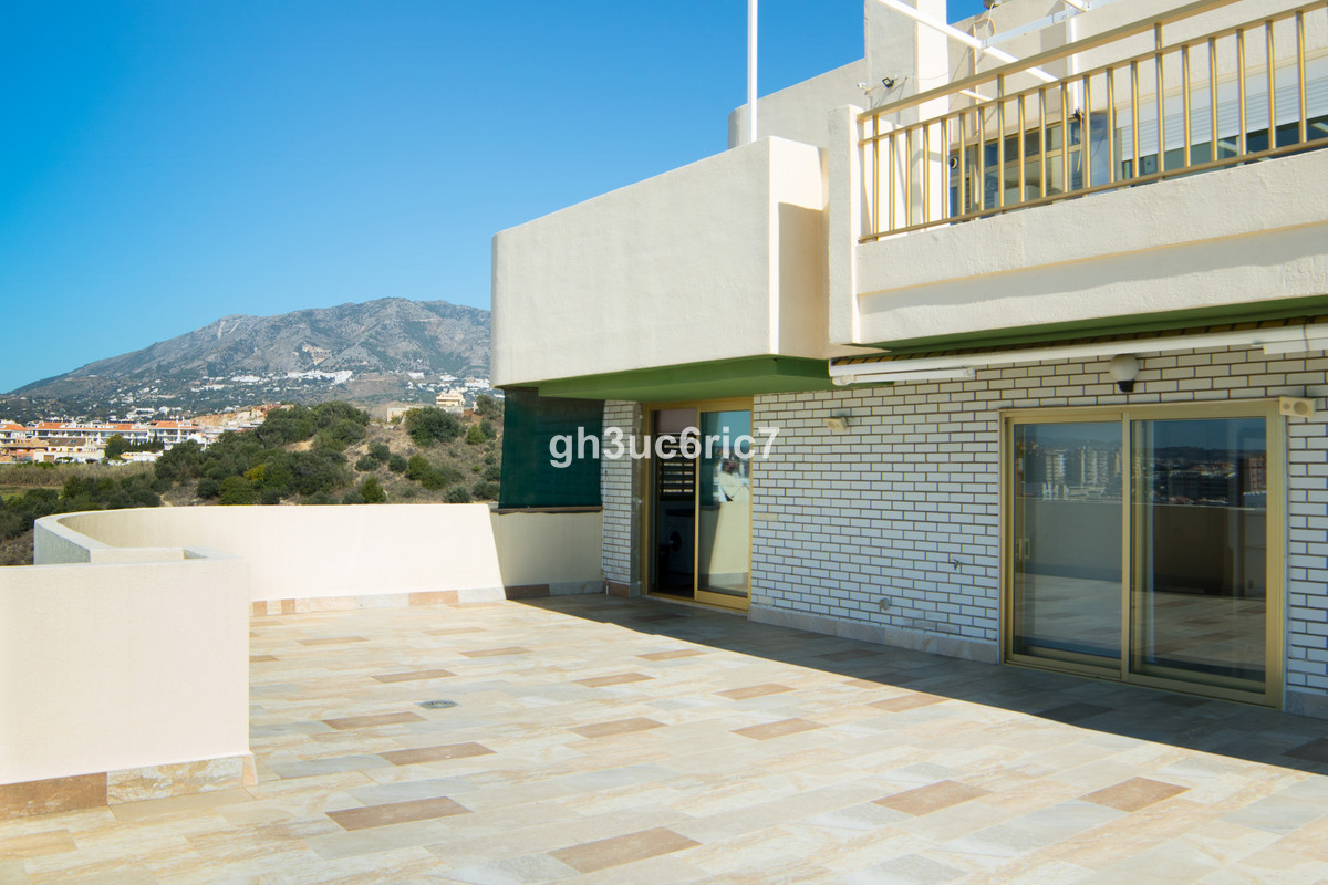 Apartment Middle Floor Fuengirola Málaga Costa del Sol R3569710 9
