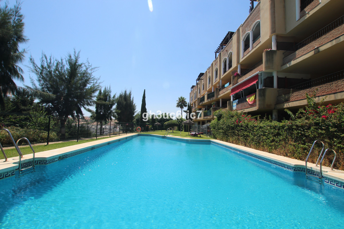 Great value for money! A nice apartment located in Riviera del Sol. Comprising of a bright living ro,Spain