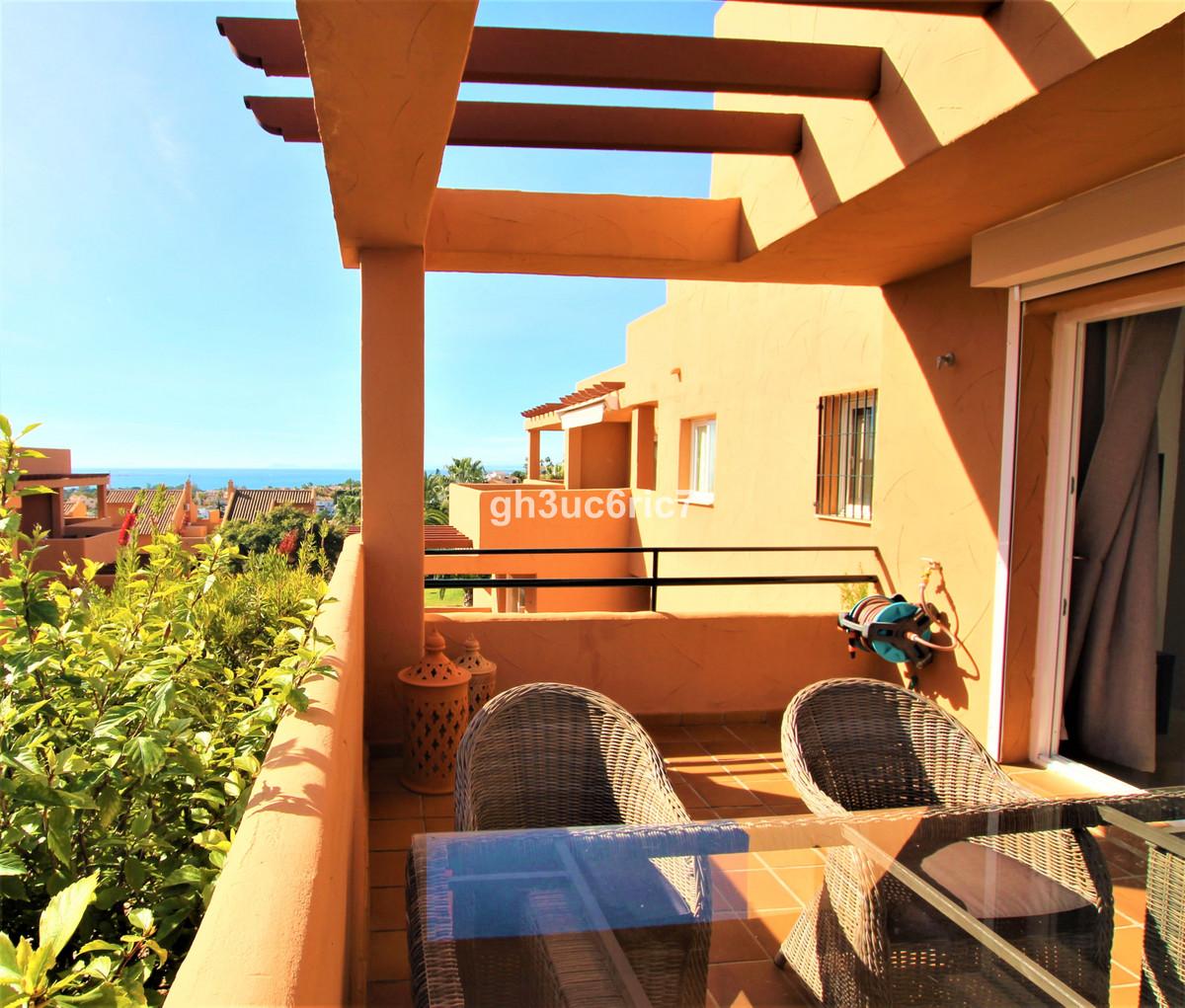 Appartement, Mi-étage  en vente    à Elviria
