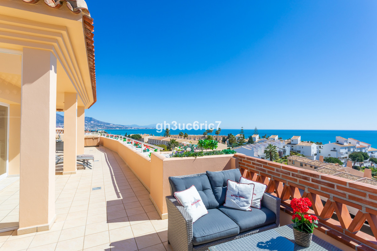 EXQUISITE PENTHOUSE OFFERING THE BEST VIEW ON THE COAST!  This amazing property is located in a priv,Spain