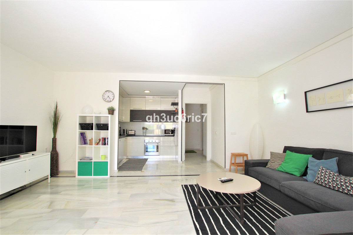 Apartment Ground Floor in Calahonda, Costa del Sol