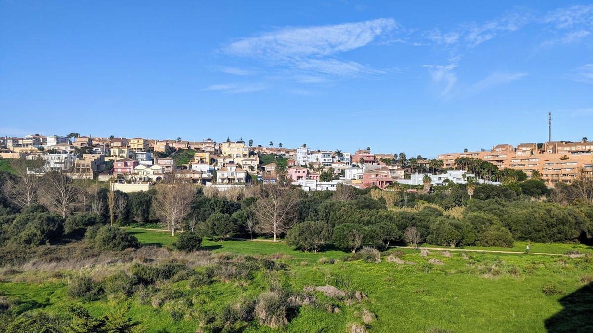 Apartment in Algeciras R3583321 1
