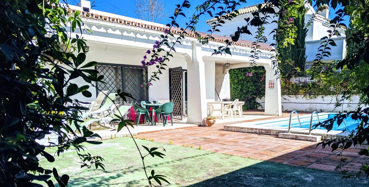 Detached Villa for sale in Marbella R3466585