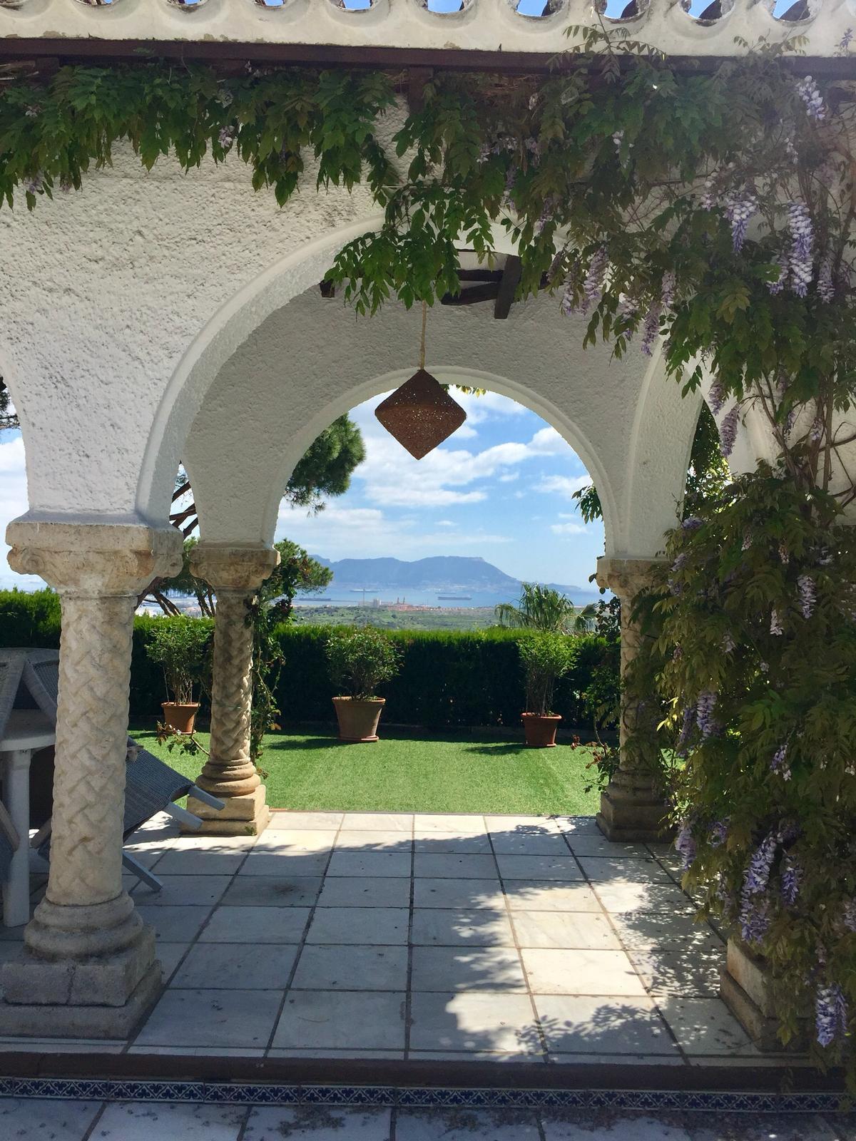 Villa in Algeciras