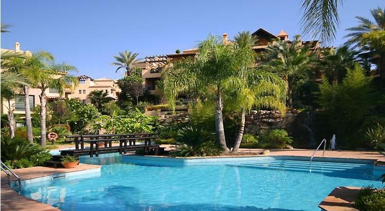 Apartamento Planta Baja en venta en Estepona R2769338