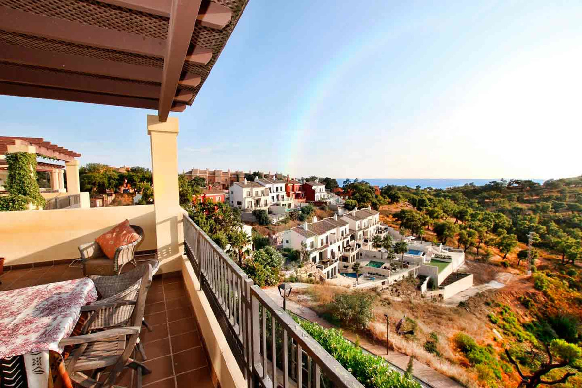 Apartment in La Mairena, Elviria, Marbella  Descripcion Spectacular 5 bedroom apartment in La Mairen,Spain