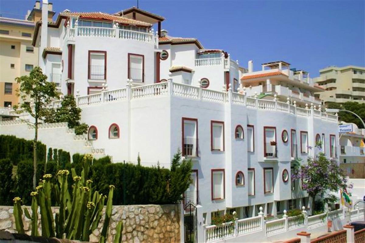 Hotel for sale in Benalmadena Costa R3838855