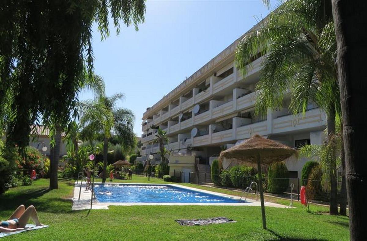 Lägenhet på mellanplan Till salu i Torremolinos R3589564