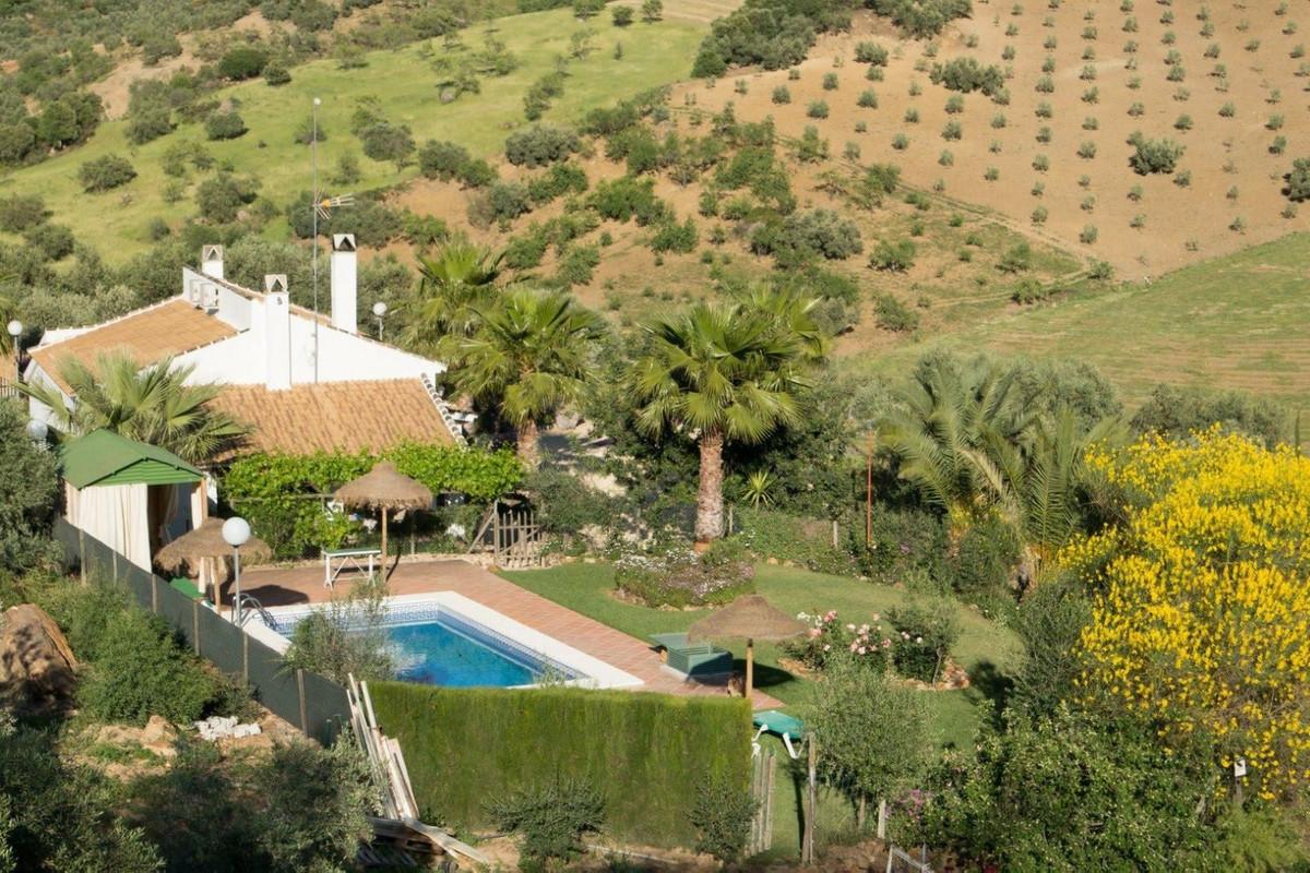 Fantastic rural house in Villanueva de la Concepcion. At 3 minutes from the village. With unbeatable,Spain