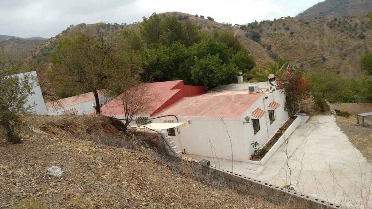 Finca - Cortijo, Canillas de Aceituno, Costa del Sol East. 3 Bedrooms, 1 Bathroom, Built 116 m², Gar,Spain
