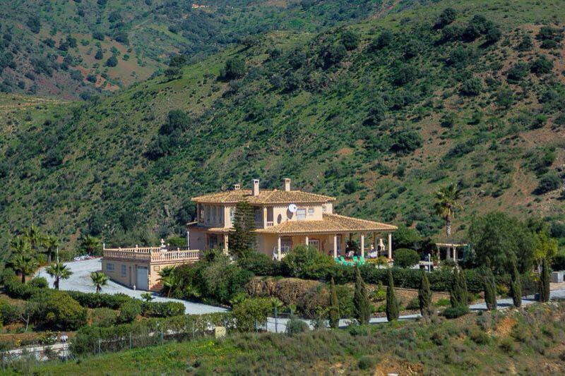 Villa  Detached for sale   in Almogía