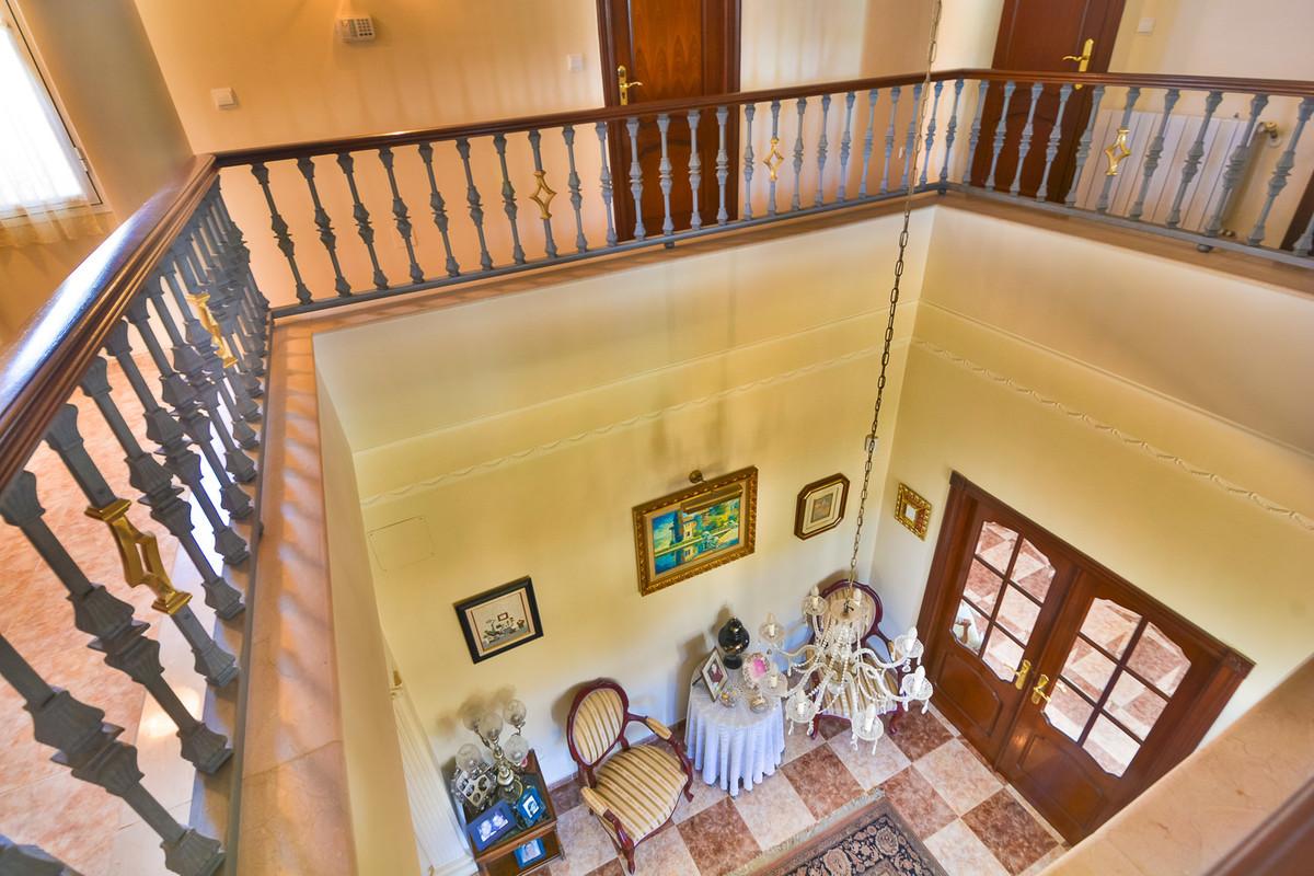 House in Almogía R3328885 13