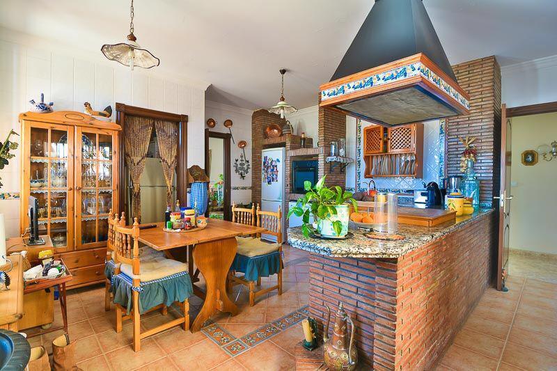 House in Almogía R3328885 2