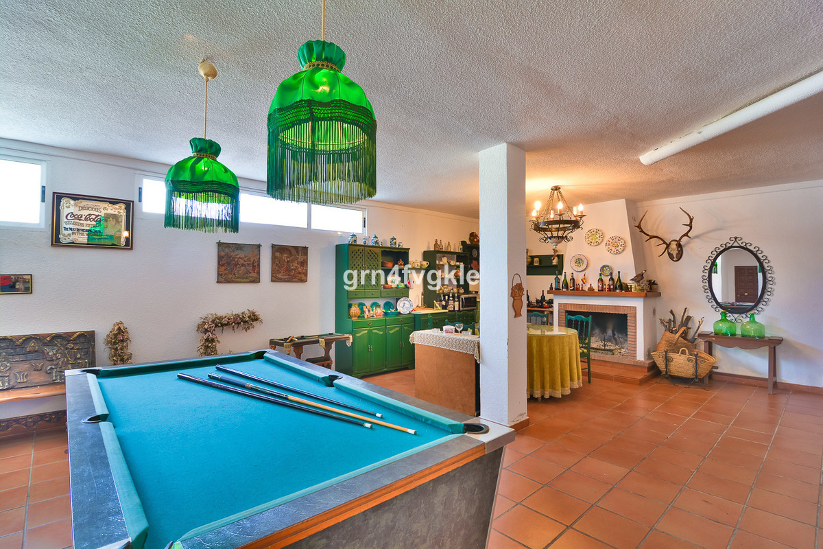House in Almogía R3328885 21