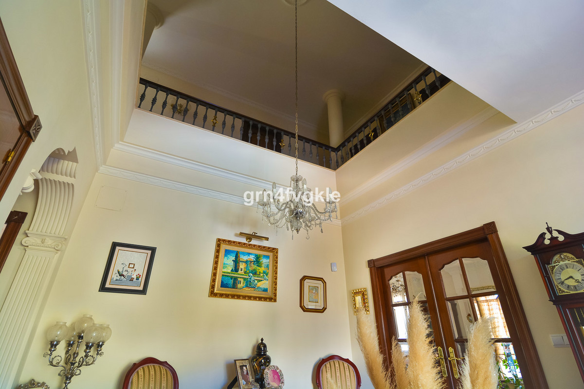 House in Almogía R3328885 8