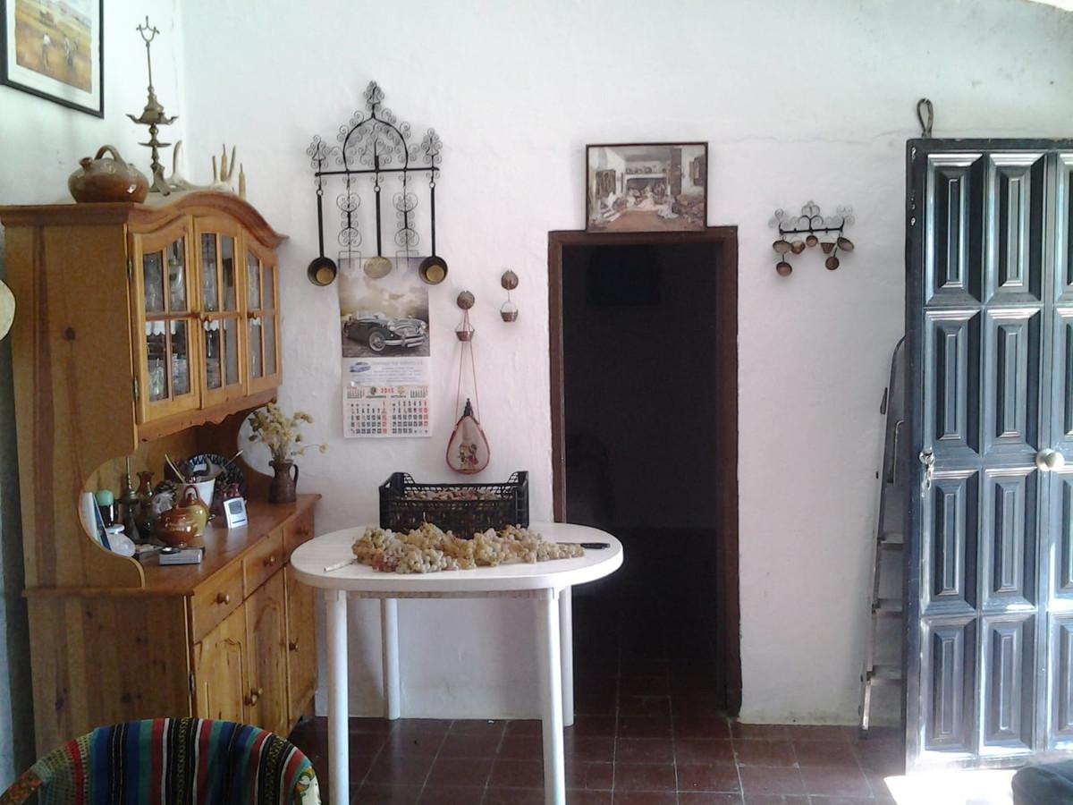 R3318055: Villa for sale in Almogía