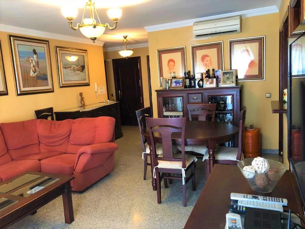 Middle Floor Apartment, La Carihuela, Costa del Sol. 4 Bedrooms, 2 Bathrooms, Built 122 m². 4 bedroo,Spain