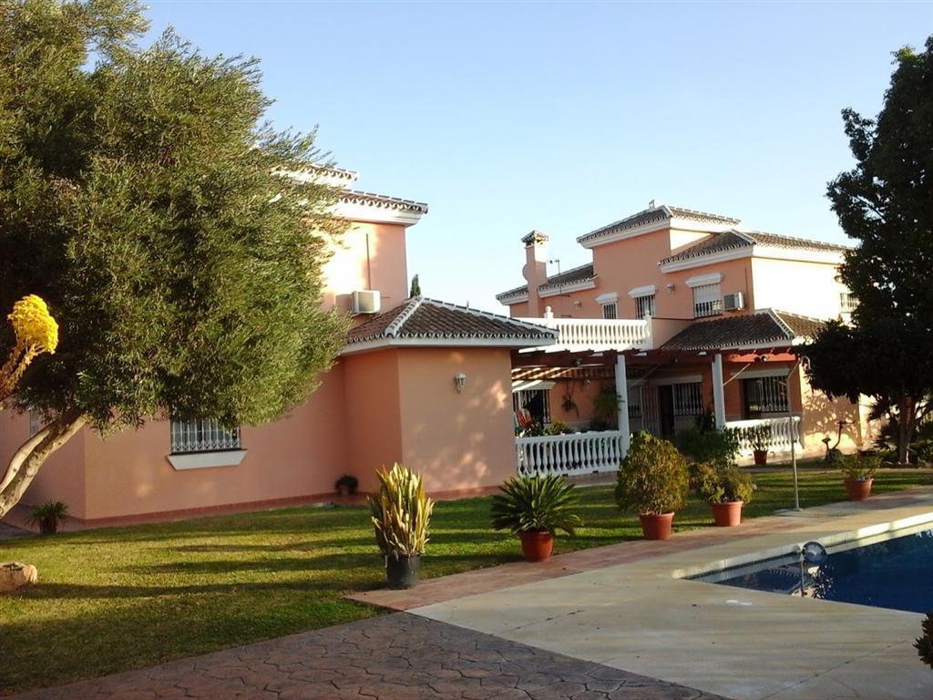 Detached Villa in Mijas Golf R2561804