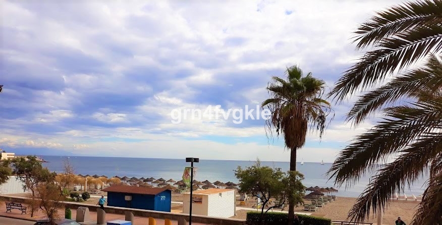 Middle Floor Apartment, Fuengirola, Costa del Sol. 3 Bedrooms, 2 Bathrooms, Built 100 m2;, Terrace 2,Spain