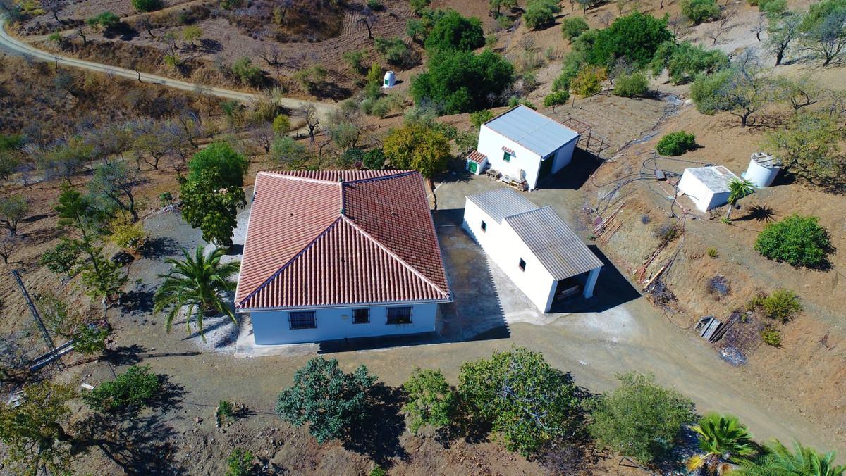 Finca - Cortijo, Almogia, Costa del Sol. 3 Bedrooms, 1 Bathroom, Built 128 m², Garden/Plot 17000 m².,Spain