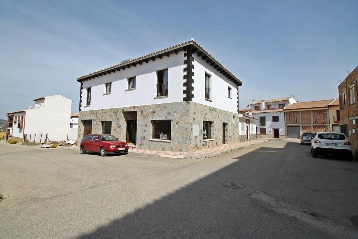 Apartment Complex, Villanueva del Rosario, Costa del Sol. 4 Bedrooms, 2 Bathrooms, Built 305 m², Gar,Spain
