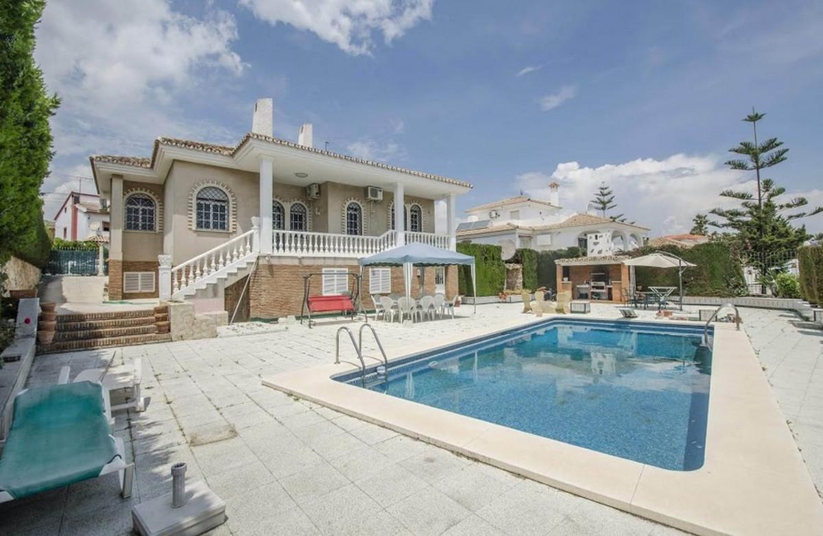 Detached Villa, Torremolinos, Costa del Sol. 6 Bedrooms, 2 Bathrooms, Built 534 m², Terrace 70 m², G,Spain