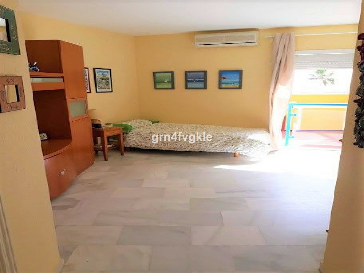 Middle Floor Studio, Playamar, Costa del Sol. Built 36 m². cozy studio in playamar area, building on,Spain