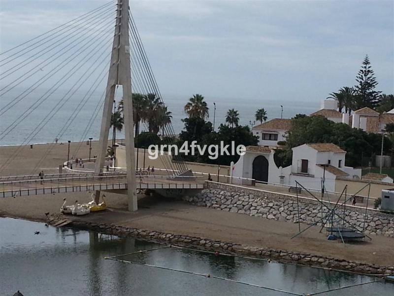 Top Floor Apartment, Fuengirola, Costa del Sol. 3 Bedrooms, 2 Bathrooms, Built 133 m².  Setting : Be,Spain