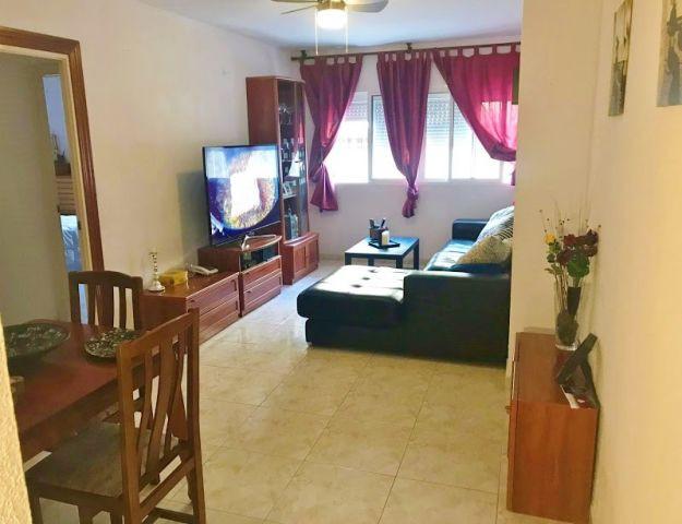 Apartment for sale to reform in the district of El Calvario de Torremolinos, very close to the City ,Spain