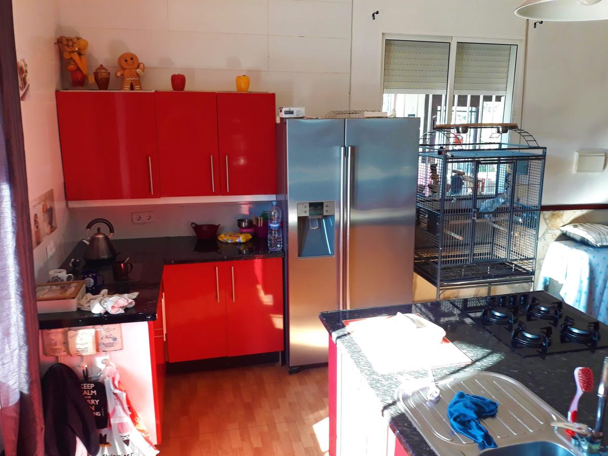 House in Almogía R3326725 13