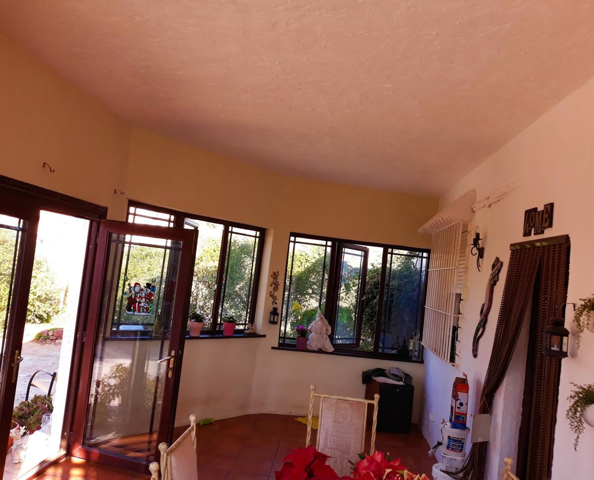 House in Almogía R3326725 16