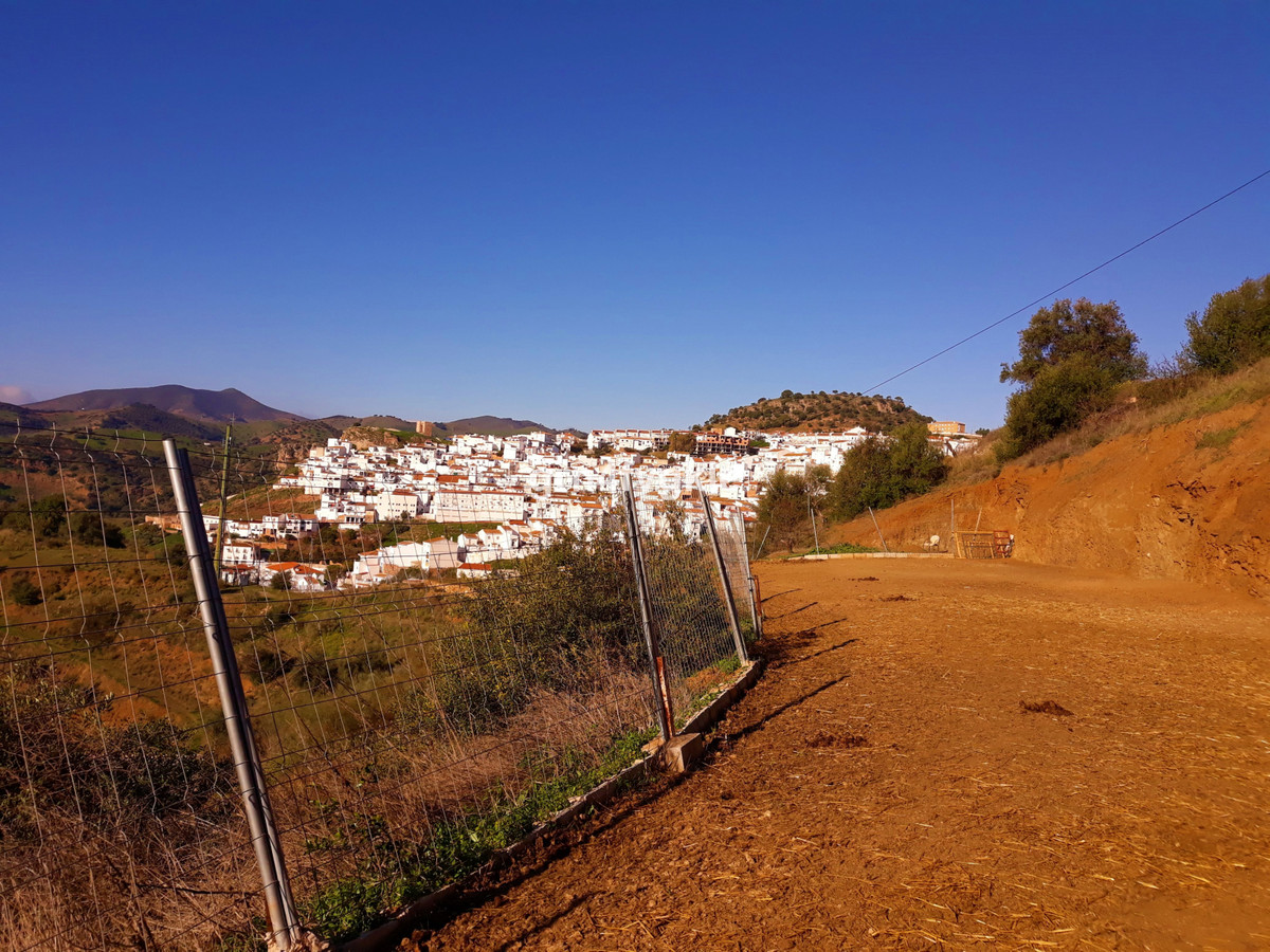 House in Almogía R3326725 20