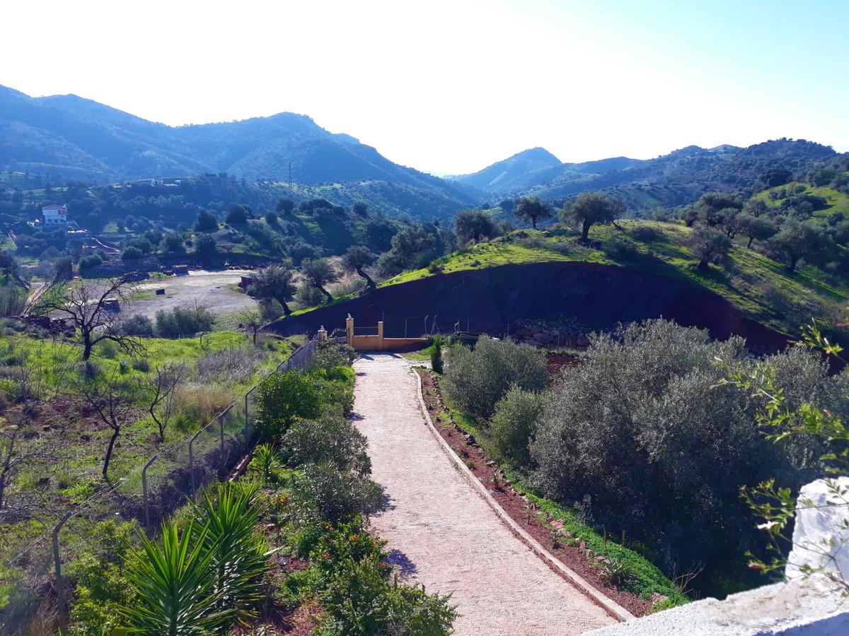 House in Almogía R3326725 22