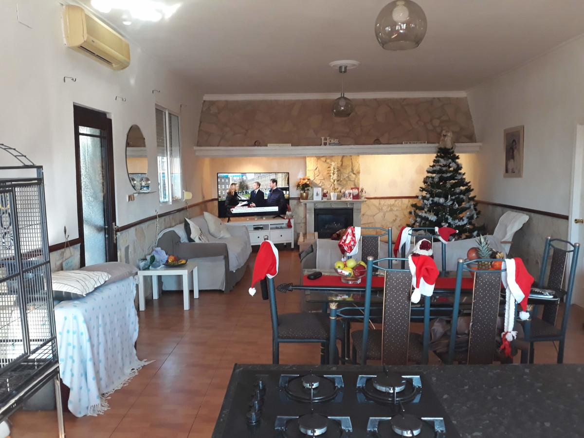 House in Almogía R3326725 4