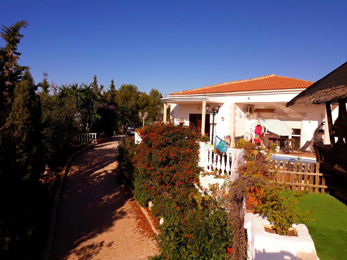 Hus in Almogía R3326725 5