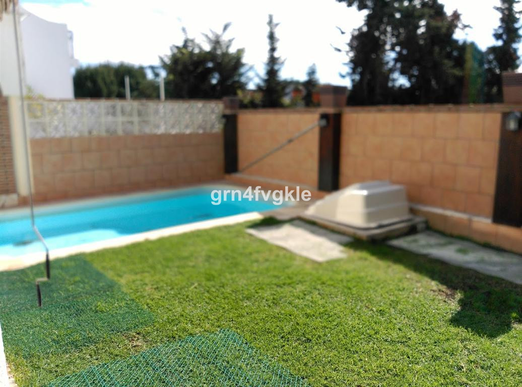 Townhouse, Las Chapas, Costa del Sol. 2 Bedrooms, 2 Bathrooms, Built 130 m², Terrace 25 m², Garden/P,Spain