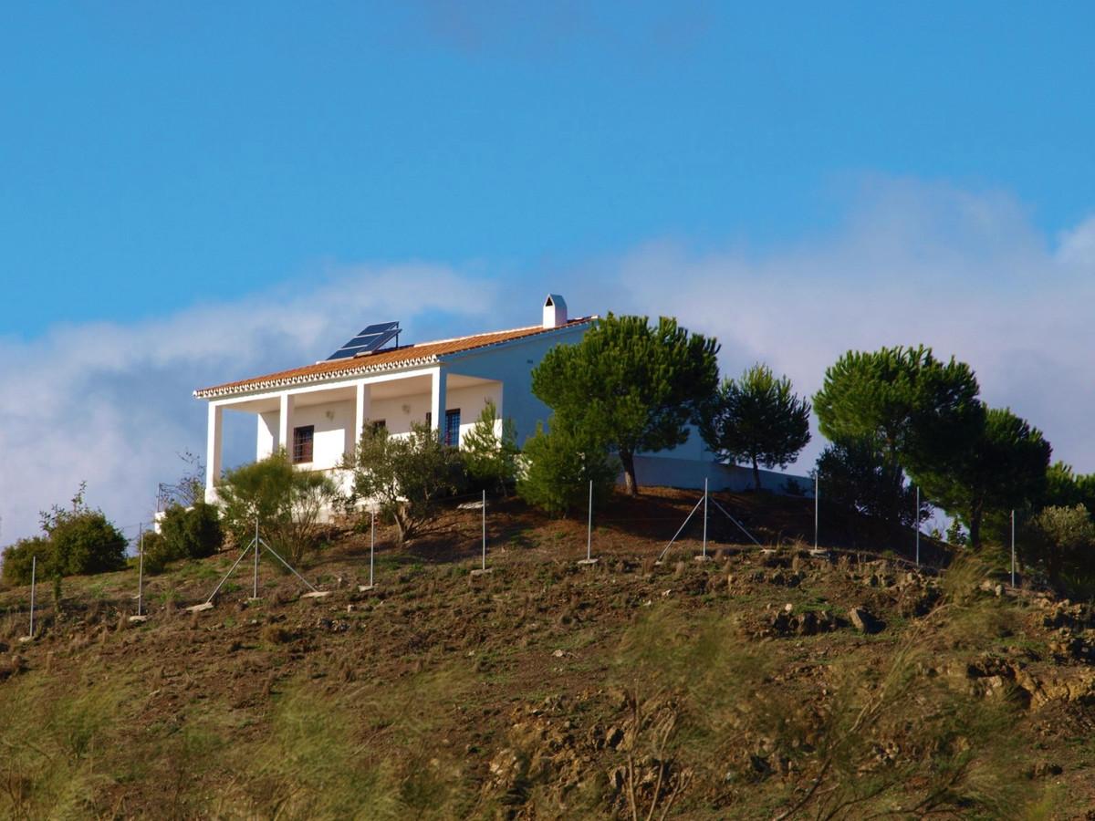Finca - Cortijo, Macharaviaya, Costa del Sol East. 3 Bedrooms, 1 Bathroom, Built 120 m², Terrace 25 ,Spain