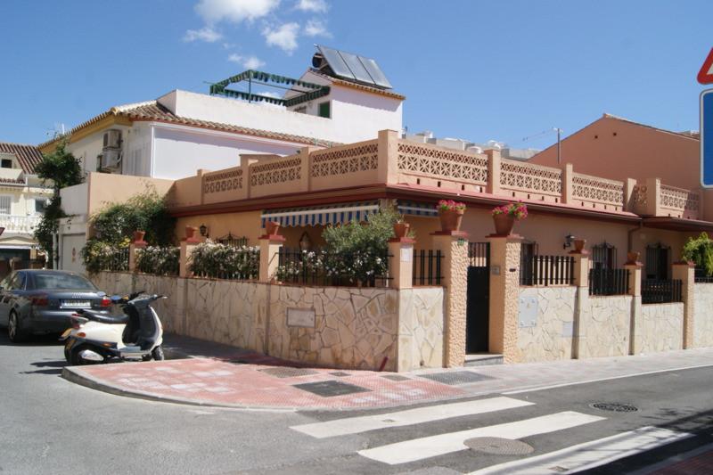 Villa 3 Dormitorios en Venta Los Boliches