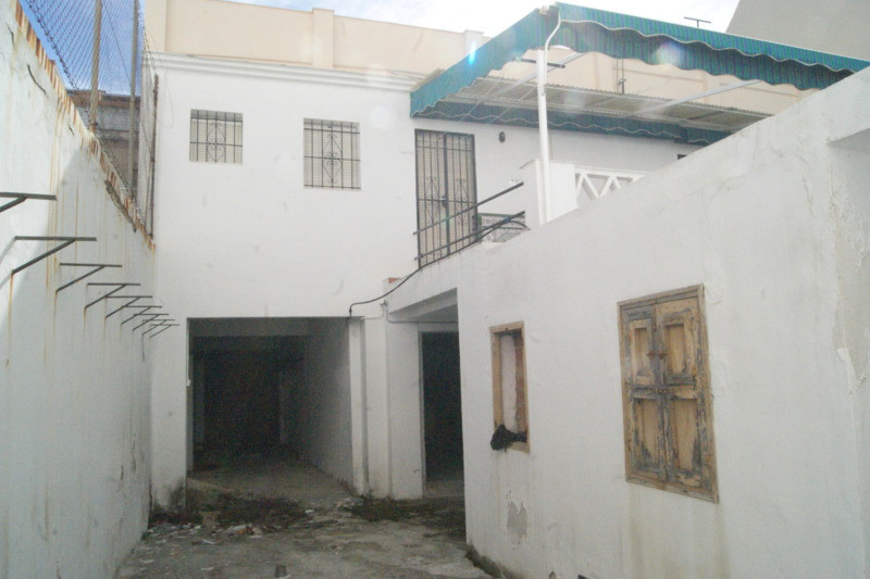 Villa con 5 Dormitorios en Venta Los Boliches